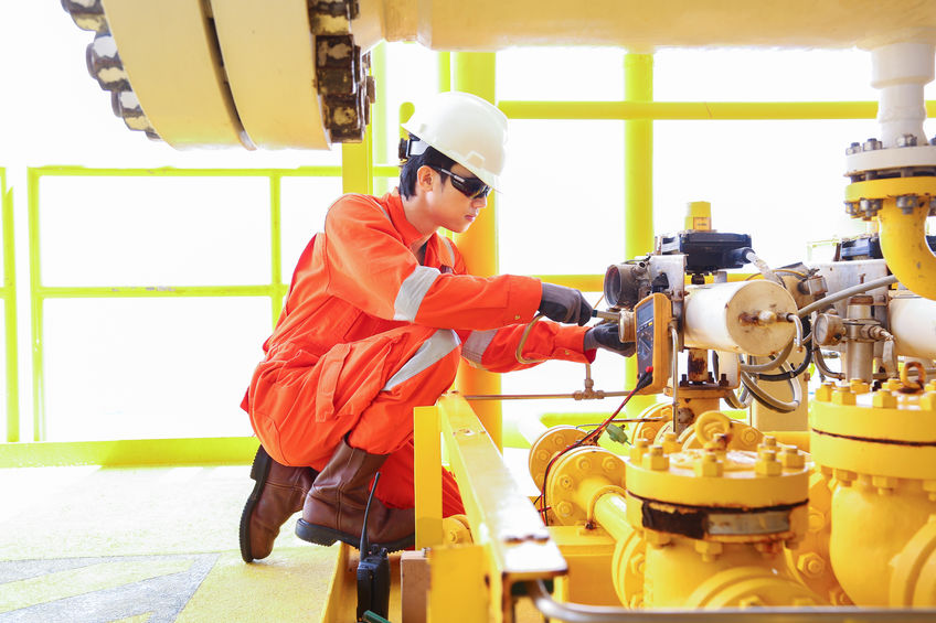 Repair Technician doing On-Site Assessment | AIRPLUS Industrial